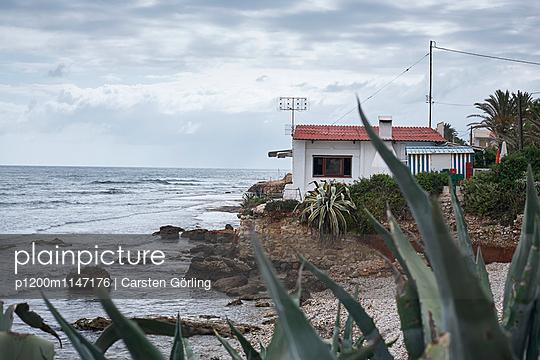 Haus am Meer - p1200m1147176 von Carsten Goerling