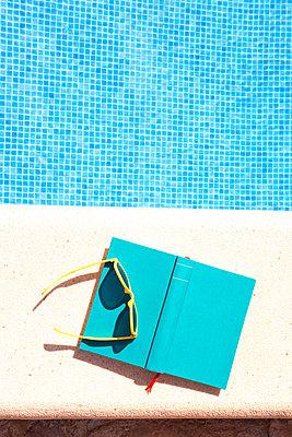 Sommerroman - p454m1552825 von Lubitz + Dorner