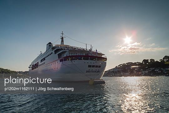 MS Deutschland - Traumschiff - p1202m1162111 von Jörg Schwalfenberg