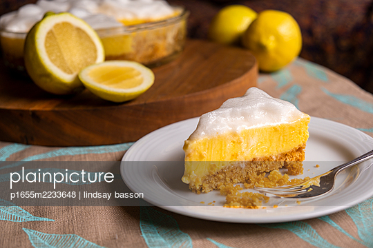 Vegan Lemon Meringue  - p1655m2233648 by lindsay basson