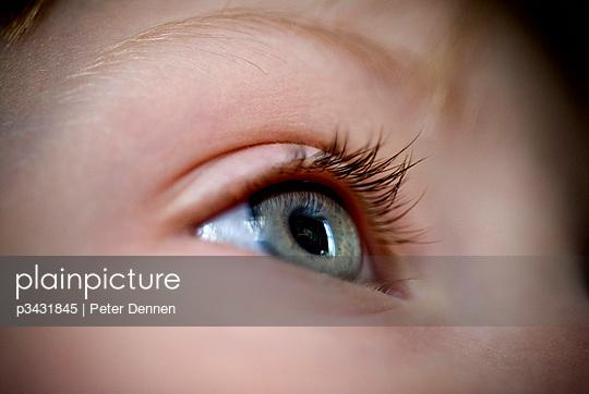 Detail of an eye. - p3431845 by Peter Dennen