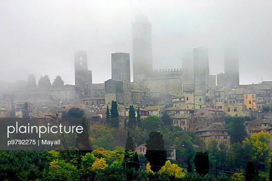 San Gimignano in Fog - p9792275 von Mayall