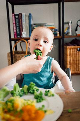 Helathy food for the baby boy - p795m2187815 by JanJasperKlein