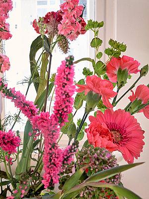 Frühlingsstrauß in Rosa - p1012m1588861 von Frank Krems
