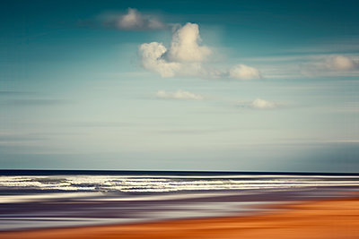 France, Contis-Plage, abstract beach landscape - p300m1191901 by Dirk Wüstenhagen