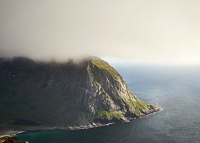 Ausblick auf den Lofoten - p1124m1165681 von Willing-Holtz