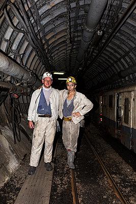 Bergarbeiter untertage - p1271m1185414 von Maurice Kohl