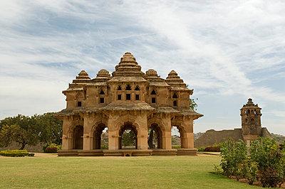 Indisches Anwesen mit Tempel - p4120017 von Darshana