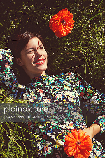 Frühlings-Idylle - p045m1585116 von Jasmin Sander