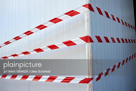 Absperrbänder - p1164m1584629 von Uwe Schinkel