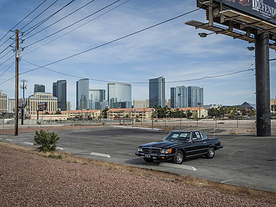 Parkplatz, Las Vegas - p1232m1041188 von Moritz Schmid