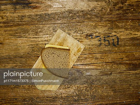 Belegtes Brot - p1171m1573375 von SimonPuschmann
