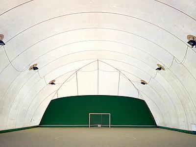 Indoor sport field - p1216m2229650 von Céleste Manet