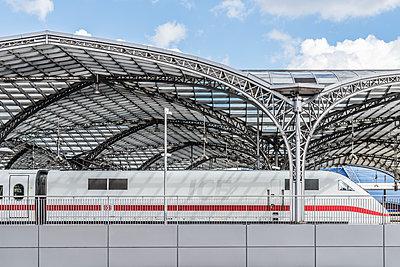 Hauptbahnhof Köln mit ICE - p401m1590158 von Frank Baquet