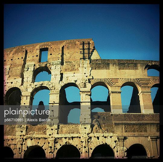 Kolosseum - p56710991 von Alexis Bastin