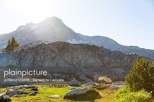 Camping - p756m2122809 by Bénédicte Lassalle