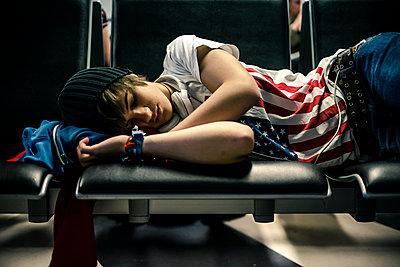 Teenager sleeping - p1118m1541507 by Tarik Yaici
