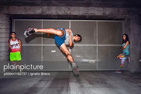 Stuntmen - p930m1162737 von Phillip Gätz