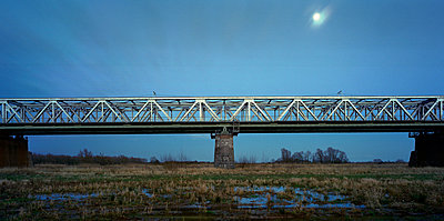 Railway bridge - p1132m925599 by Mischa Keijser
