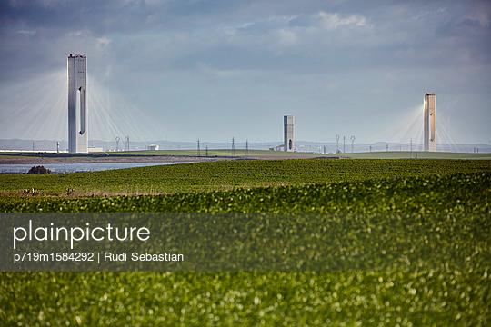 Experimentelles Sonnenkraftwerk - p719m1584292 von Rudi Sebastian