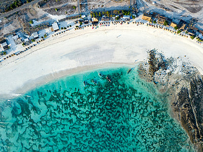 Indonesia, Lombok, Aerial view of Tanjung Aan beach - p300m2062045 by Konstantin Trubavin