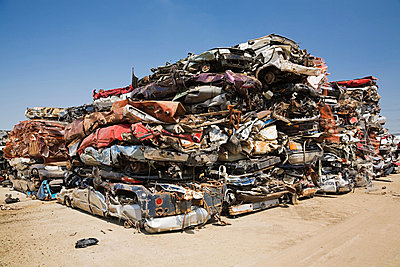 Crushed cars - p9243857f by Image Source