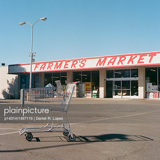 Vintage Farmer's Market - p1431m1497116 by Daniel R. Lopez