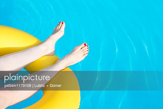 Nice boredom - p454m1179108 by Lubitz + Dorner