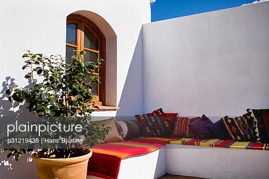A veranda Spain. - p31219438 by Hans Bjurling