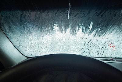 Inside car in car wash - p1418m1572429 by Jan Håkan Dahlström