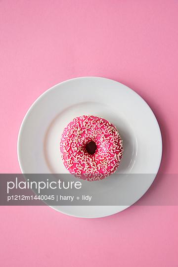 Donut - p1212m1440045 von harry + lidy