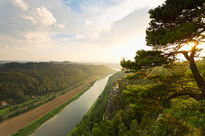 Germany, Saxony, Elbe Sandstone Mountains, view to Wartturm and Elbe River - p300m950021f by Mel Stuart