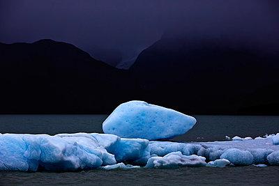 Lago Argentino - p719m883163 by Rudi Sebastian