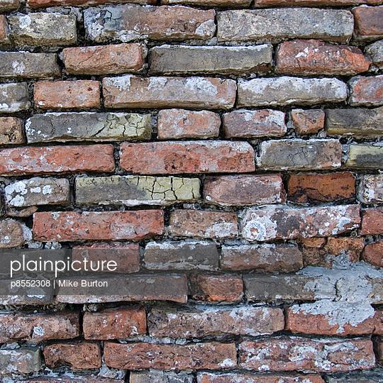 Brick wall, Venice. - p8552308 by Mike Burton