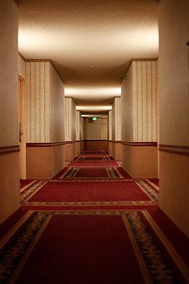 Hotel - p1105m1164981 by Virginie Plauchut