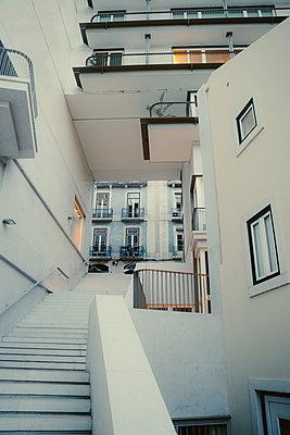 p432m2283496 by mia takahara