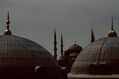 View on Sultan Ahmed Camii (blue Mosque) from Hagia Sophia - p798m1025703 by Florian Löbermann