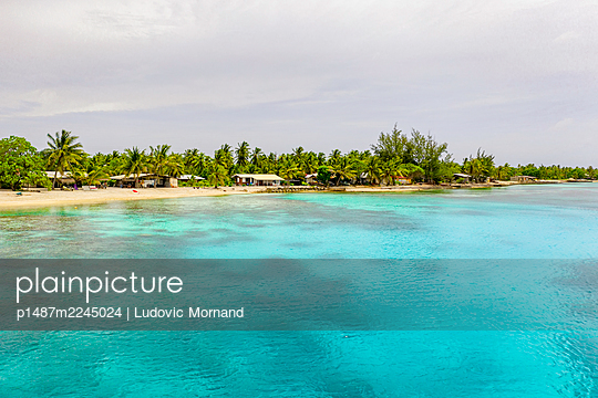 Polynesia, Panorama of Rangiroa blue lagoon - p1487m2245024 by Ludovic Mornand