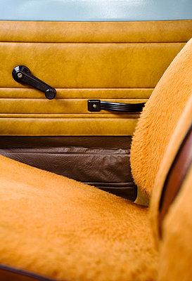 Trabant von innen - p177m1057749 von Kirsten Nijhof