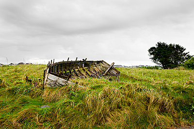 Wreck of a boat - p248m763365 by BY
