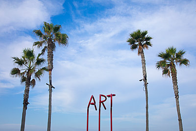Art sculpture at Imperial Beach, San Diego, California, USA - p343m1571001 by Sean Davey