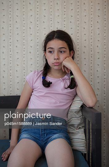 Mädchen Langweilt sich - p045m1588889 von Jasmin Sander