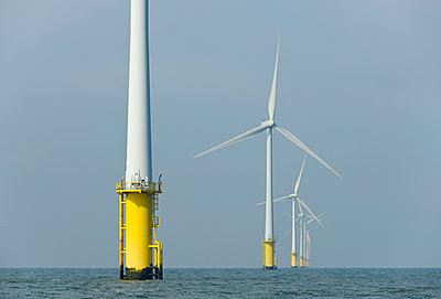 Windfarm in the North Sea - p1132m925488 by Mischa Keijser