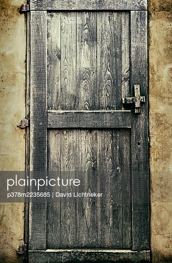 Old wooden door - p378m2235685 by David Lichtneker
