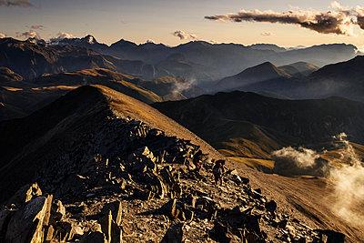 Hiking along Plateau d'Emparis - p910m1159406 by Philippe Lesprit