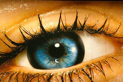 Auge auf einem Plakat - p9791494 von Einecke