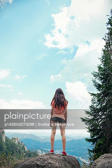 Mädchen in den Bergen - p1432m2273298 von Svetlana Bekyarova