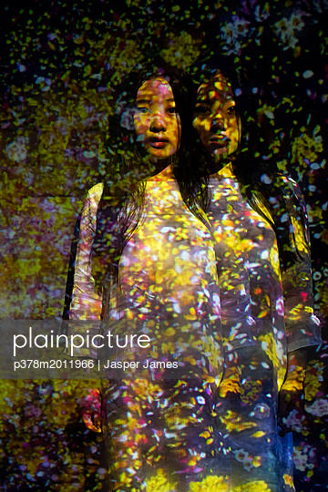 p378m2011966 von Jasper James