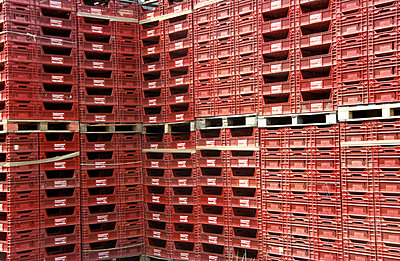Plastic crates - p0190193 by Hartmut Gerbsch