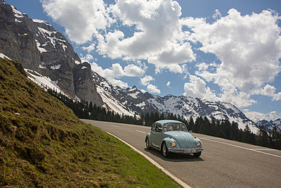 Classical Cars on Tour in the Alps II - p745m741412 by Reto Puppetti